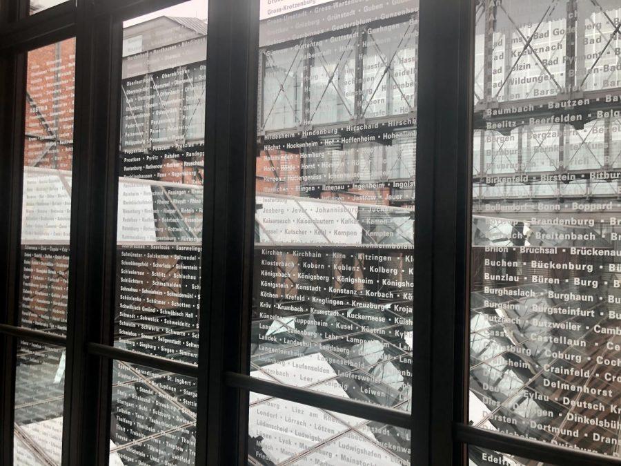 Seniors Visit the Holocaust Museum