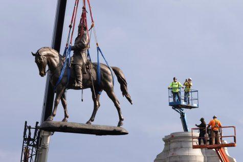 Richmond Robert E. Lee Monument Torn Down