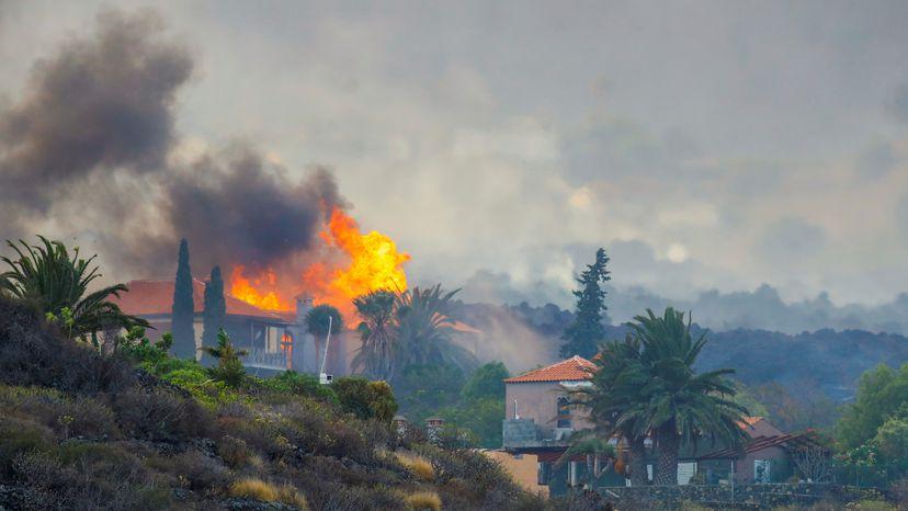 The+Eruption+of+La+Cumbre+Vieja+in+The+Canary+Islands